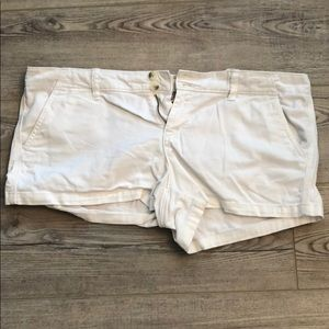 American Eagle White Shorts Size 14